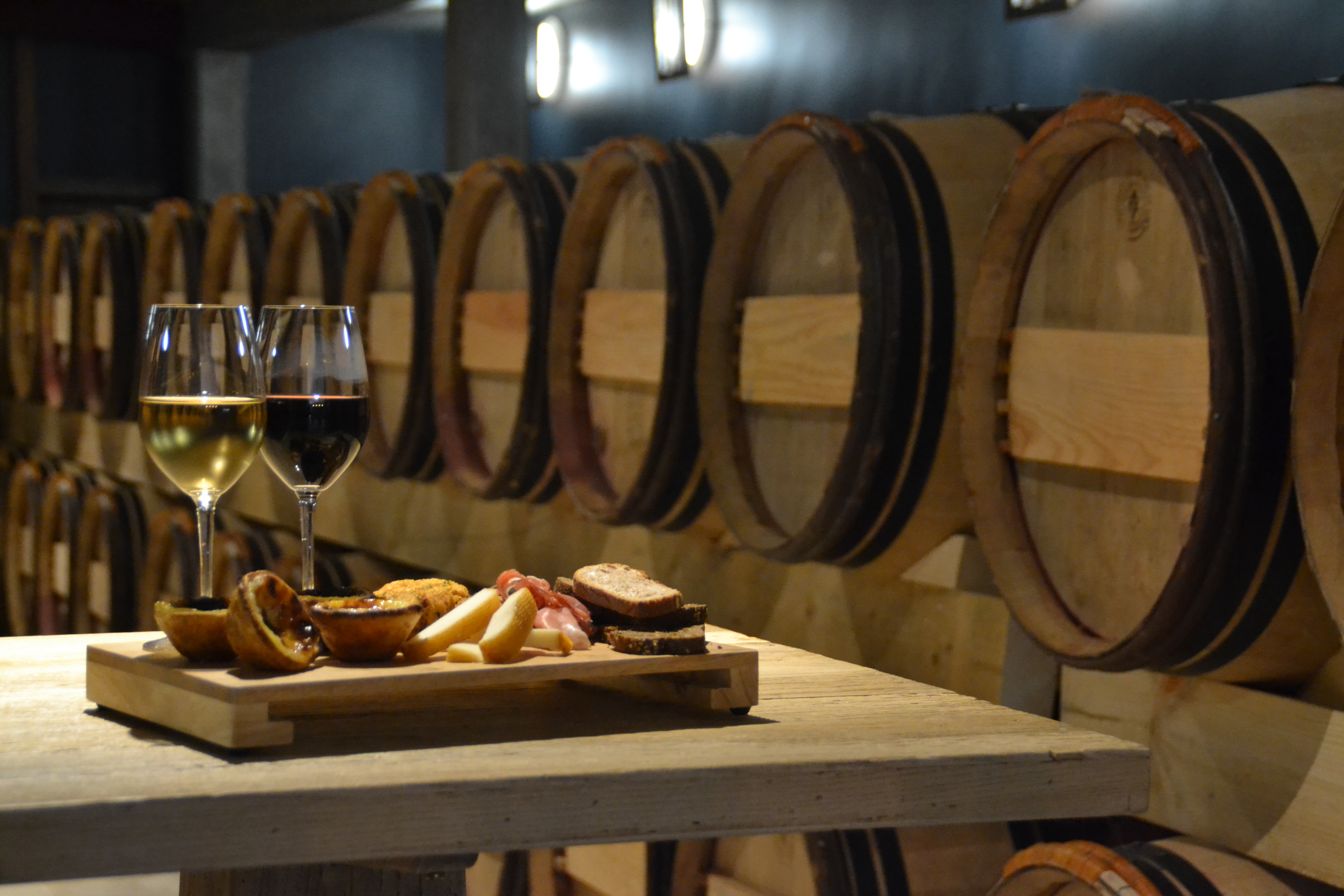 photo scénarisée de dégustation, vin appellation Pessac Léognan, Bordeaux